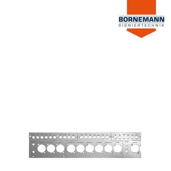 Längliche Aluminium Frontblende / Frontplatte mit Ausstanzungen von vorne